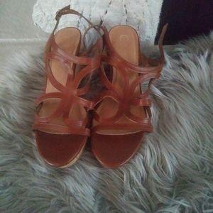 C Est 1946 brown tan leather heel shoes sandles